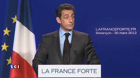 Sarkozy fait rire sur Hollande